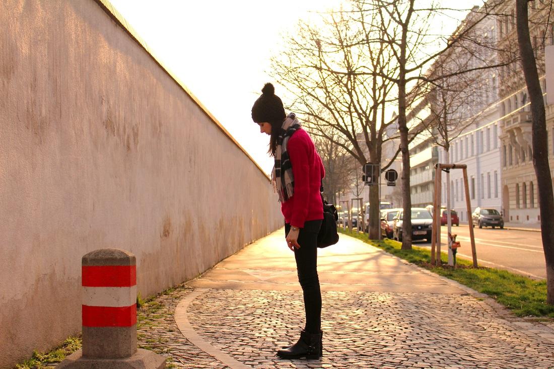 7.donna-karan-boots-pink sweater