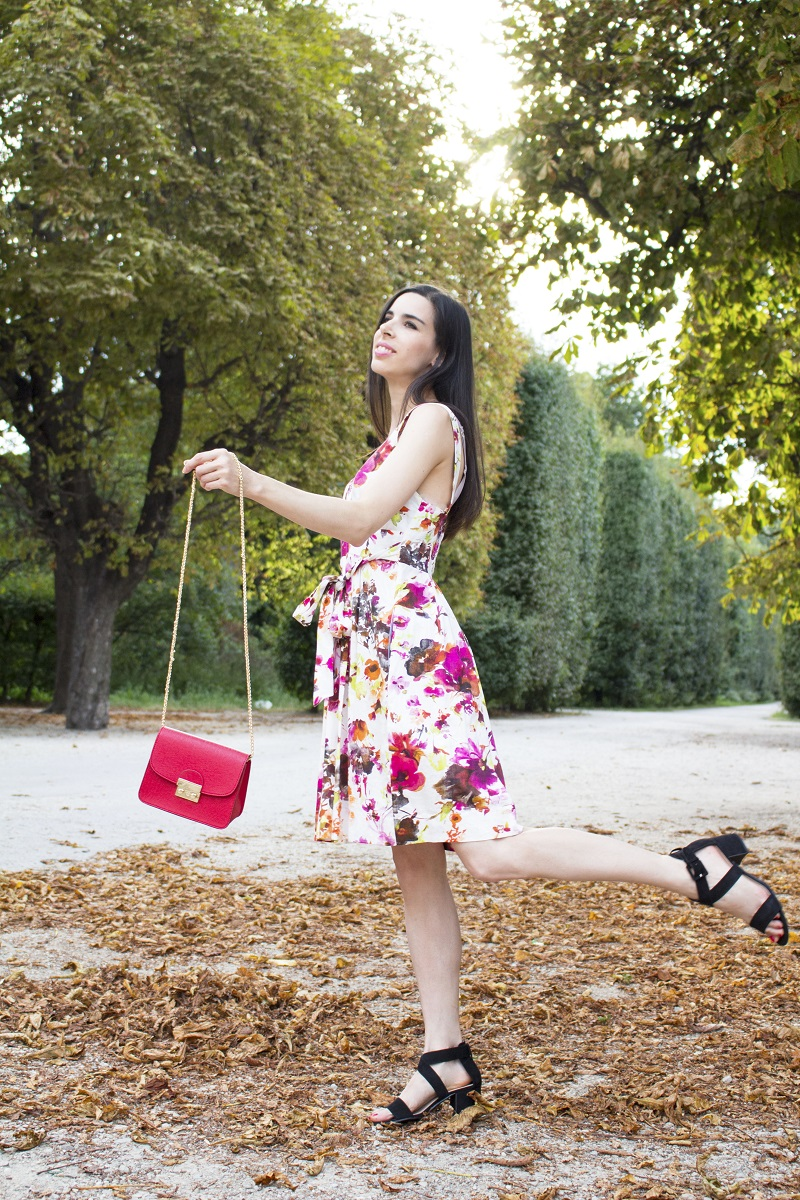 6-metropolis-bag-in-floral-dress